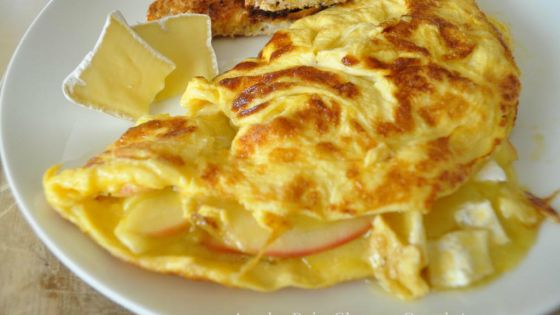 Apple Brie Cheese Omelet